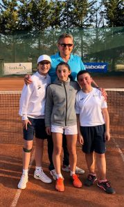 Luisa Statti Laura Scozzafava e Chiara Doria con il Capitano Massimo Viola