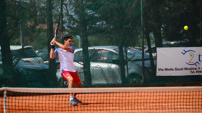 viola tennis resta in testa alla classifica